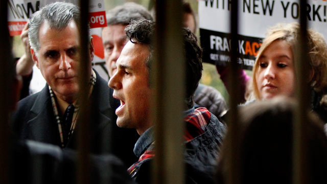 PHOTO: Mark Ruffalo speaks about the delivery of emergency water aid, during a press conference on the steps of City Hall, Dec. 6, 2011 in New York.