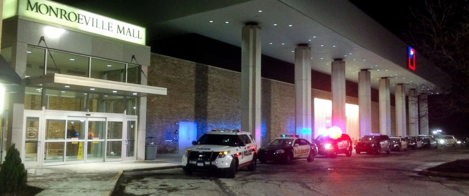 PHOTO: Police vehicles line up outside Monroeville (Pa) Mall Saturday, Feb. 7 2015, after a shooting took place inside. As many as three people were injured.