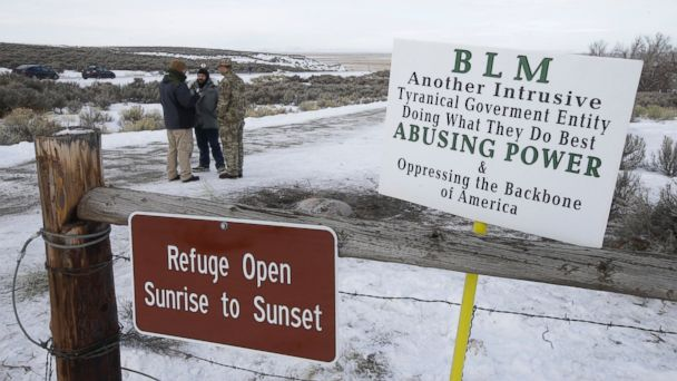 http://a.abcnews.go.com/images/US/ap_oregon_standoff_jc_160107_16x9_608.jpg