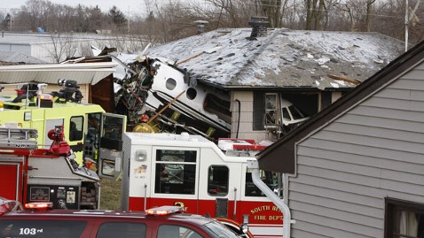 ap planecrash 130317 wblog Plane Crashes Into South Bend, IN, Neighborhood