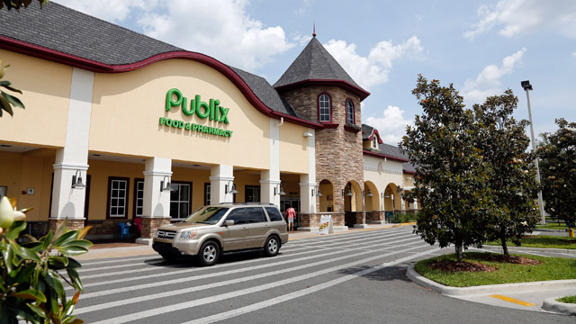 PHOTO: The highest Powerball jackpot worth an estimated $590.5 million was sold recently at this Publix supermarket.