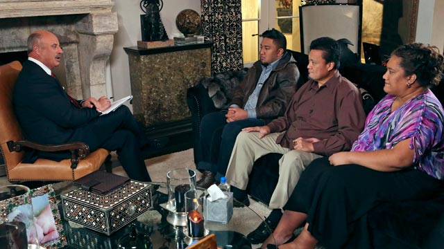 "PHOTO: Talk show host Dr. Phil McGraw, left, interviews Ronaiah Tuiasosopo, center, and his parents, Titus and Cheannie Tuiasosopo, during taping for the ""Dr. Phil Show"" in Los Angeles."