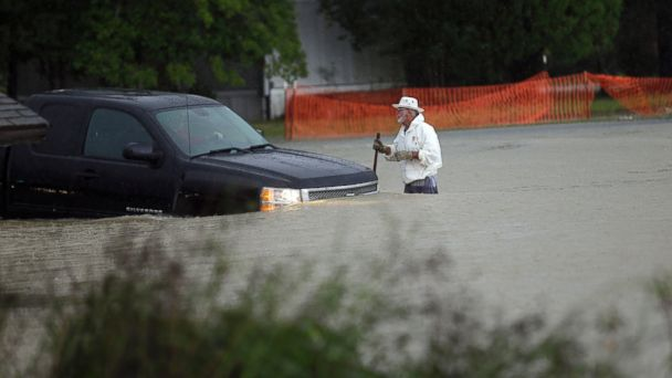 http://a.abcnews.go.com/images/US/ap_sc_flood_151004_16x9_608.jpg