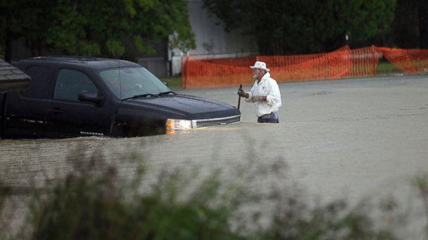 http://a.abcnews.go.com/images/US/ap_sc_flood_151004_16x9_608.jpg