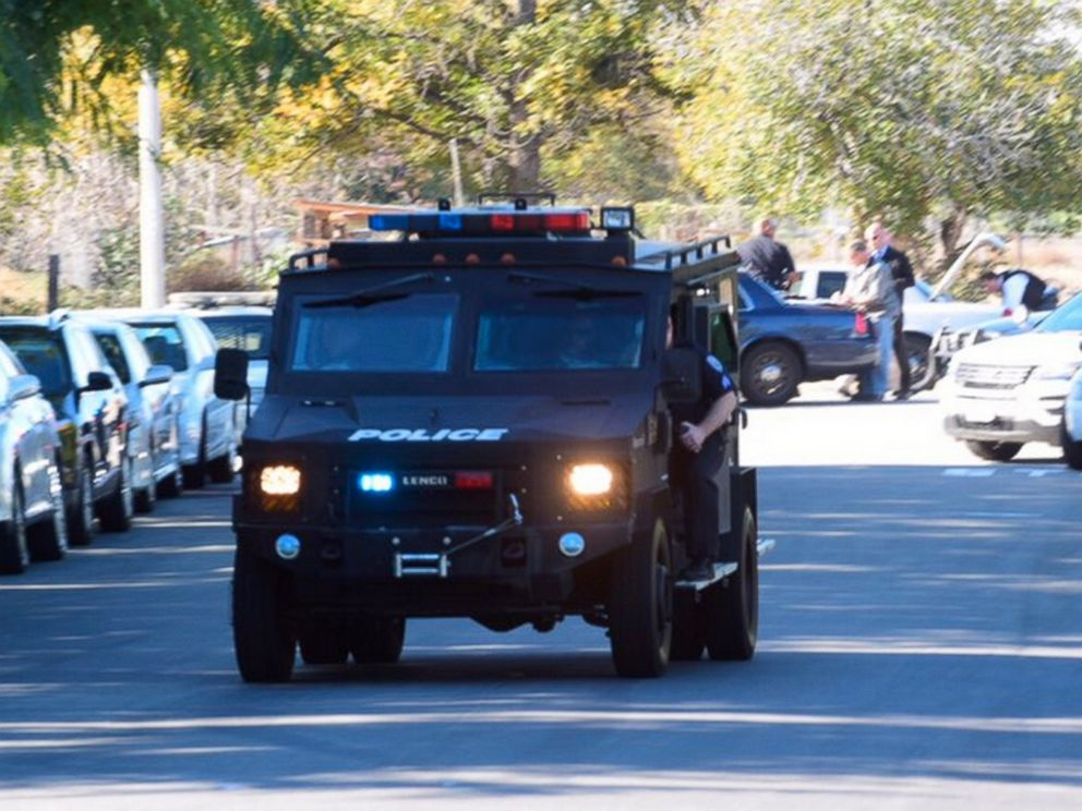 PHOTO: A swat team arrives at the scene of a shooting in San Bernardino, Calif., Dec. 2, 2015.