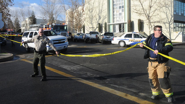 PHOTO: Officials tape off an area outside San Joaquin Valley high school in Taft, Calif., Jan. 10, 2013.
