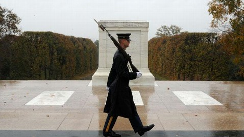 ap tomb unknown soldier rain mn thg 121029 wblog Soldiers Guard the Tomb of Unknowns During Hurricane Sandy