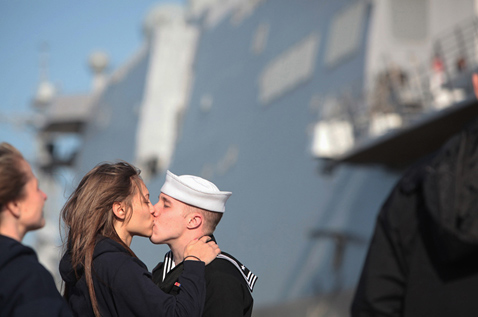 ap uss new york ll 120327 wblog Today in Pictures: Bondi Beach, China Fashion, Obama Care