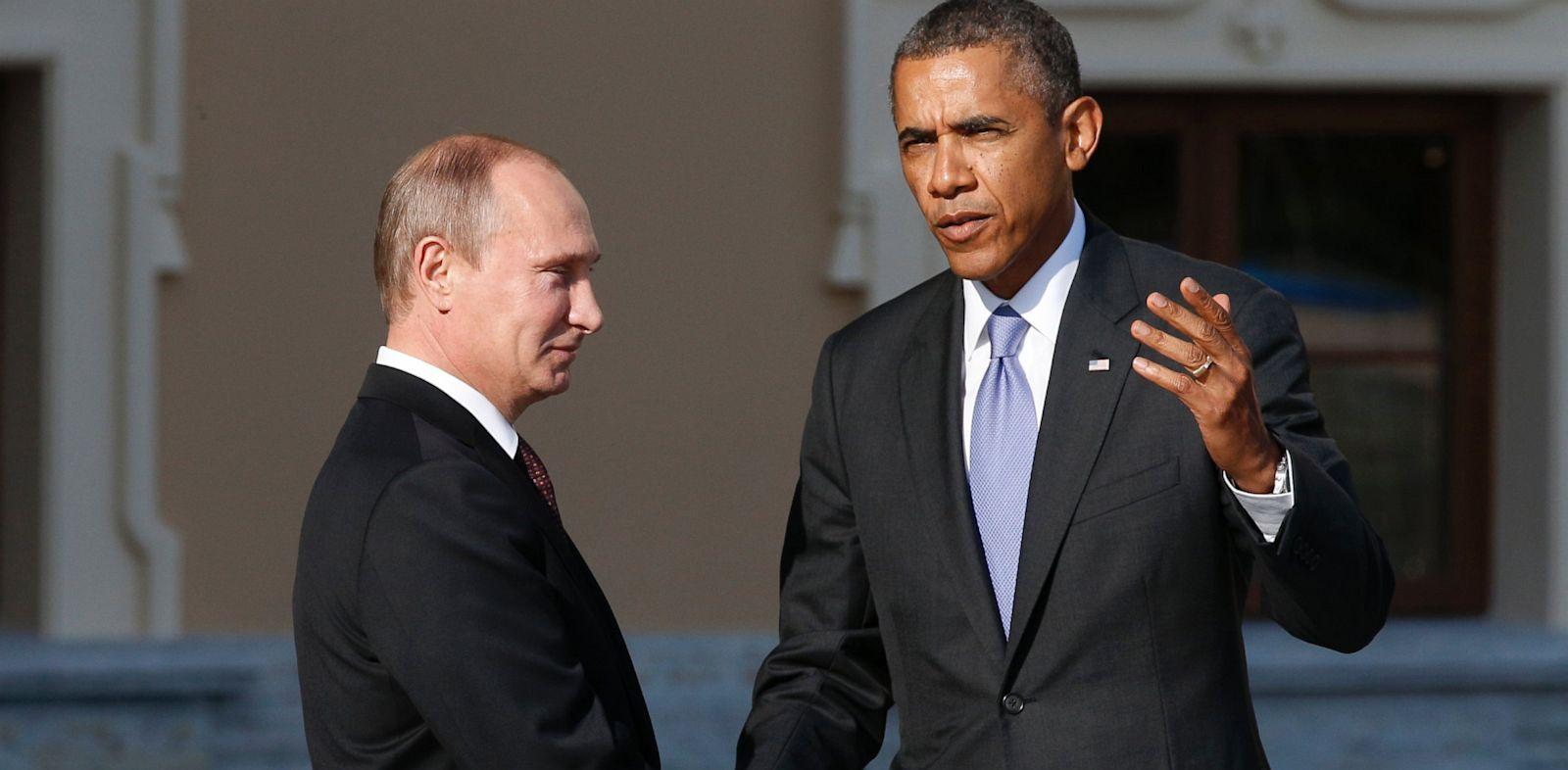PHOTO: Vladimir Putin and Barack Obama arrive for G-20