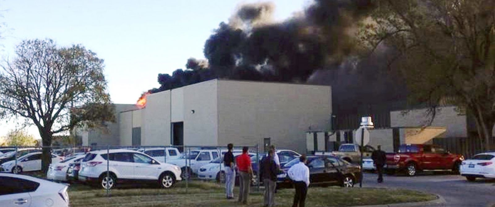 PHOTO:In the image from video provided by KAKE News, black smoke billows from a building at Mid-Continent Airport where officials say a plane crashed, Oct. 30, 2014, in Wichita, Kan.