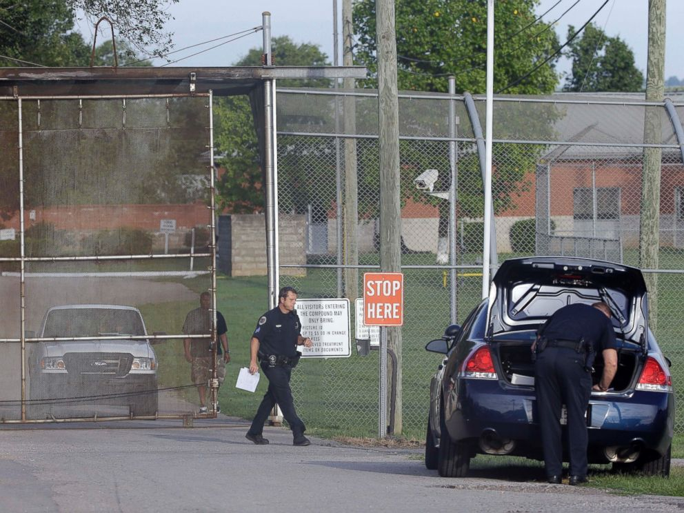 PHOTO: Police work in front of the Woodland Hills Youth Development Center on Sept. 2, 2014, in Nashville, Tenn.
