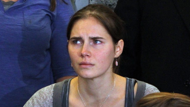 PHOTO: Amanda Knox is seen during a news conference shortly after her arrival at Seattle-Tacoma International Airport October 4, 2011, in Seattle.