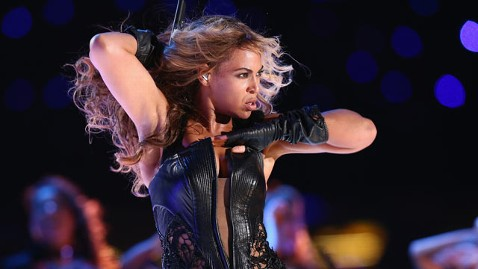 gty beyonce good kb 130203 wblog Super Bowl Halftime: Beyonce Sings Biggest Hits; Surprise Destinys Child Reunion