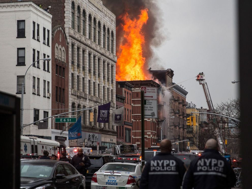 PHOTO: A building burns after an explosion on 2nd Avenue on March 26, 2015 in New York City.