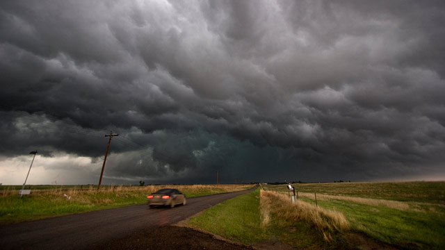 PHOTO: Myth #1: You Can Dodge an Oncoming Tornado in Your Car