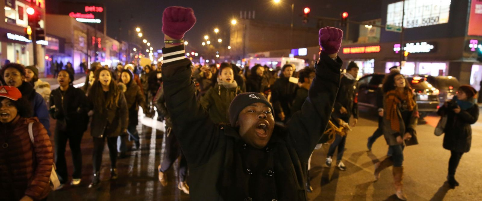 PHOTO: Demonstrators react near Halsted Street and Roosevelt Road in Chicago after the release of the 2014 video of Laquan McDonald being shot by Chicago Police officer Jason Van Dyke, Nov. 24, 2015.
