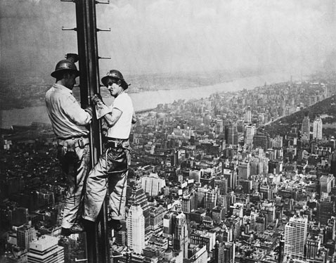 gty esb antenna 1950 ss jp 120308 wblog Empire State Building: The 8th World Wonder (Photos)