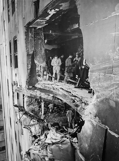 gty esb bomber crash 1945 ss jp 120308 vblog Empire State Building: The 8th World Wonder (Photos)