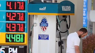 PHOTO: A customer pumps gas into his truck at a Valero gas station, July 22, 2013 in Mill Valley, California.