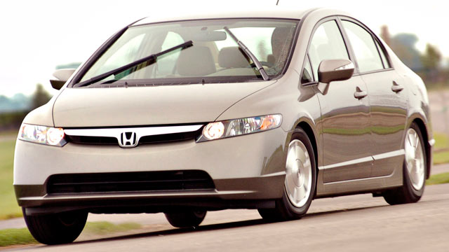 PHOTO: A 2006 Honda Civic Hybrid goes through its paces at Autobahn Country Club in Joliet, Illinois, Aug. 25, 2005.