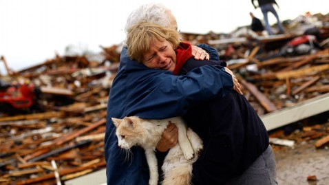 gty hugs tornado cat nt 130521 wblog Rep. Tom Cole: Okla. Needs Help, Not a Funding Battle