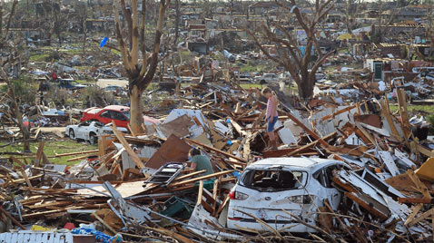 gty joplin tornado thg 111208 wblog Mother Natures Destruction   Disasters of 2011.