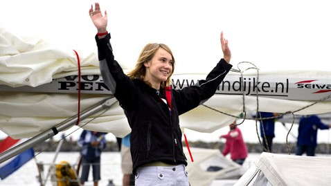 gty laura dekker dm 111122 wblog Teen Girl Sailor Close to Breaking World Solo Sailing Record