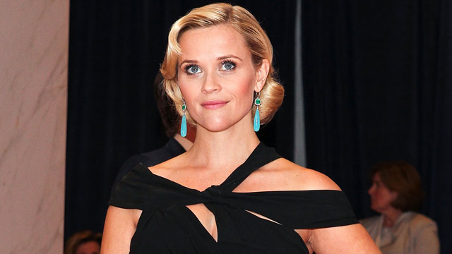 PHOTO: Actress Reese Witherspoon arrives at the 98th annual White House Correspondents Association Dinner at the Washington Hilton on April 28, 2012 in Washington, DC.