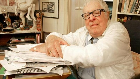 gty rip ray bradbury mn thg 120606 wblog Ray Bradbury, Author of Fahrenheit 451 and The Martian Chronicles, Dies at 91