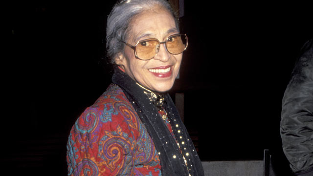"PHOTO: Rosa Parks arrives at the ""The Long Walk Home"" Los Angeles Premiere at The Plitt Theater in Century City, C.A., Dec. 11, 1990."