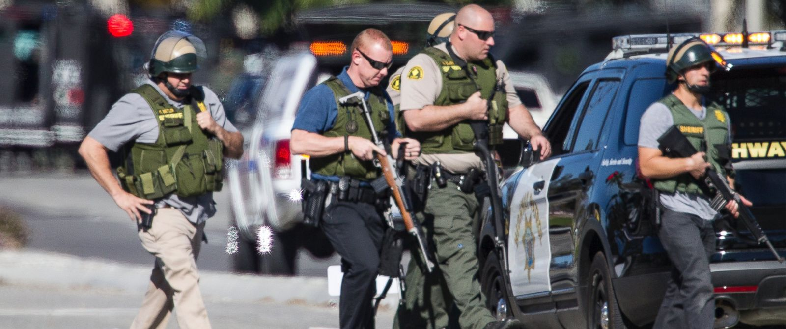 PHOTO: San Bernardino police officers in SWAT gear secure the scene where a mass shooting occurred at the Inland Regional Center on Dec. 2, 2105 in San Bernardino, Calif.