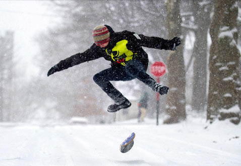 gty snowboarder dm 121227 blog Today in Pictures: Winter Weather Around the World, the Pope, Protests