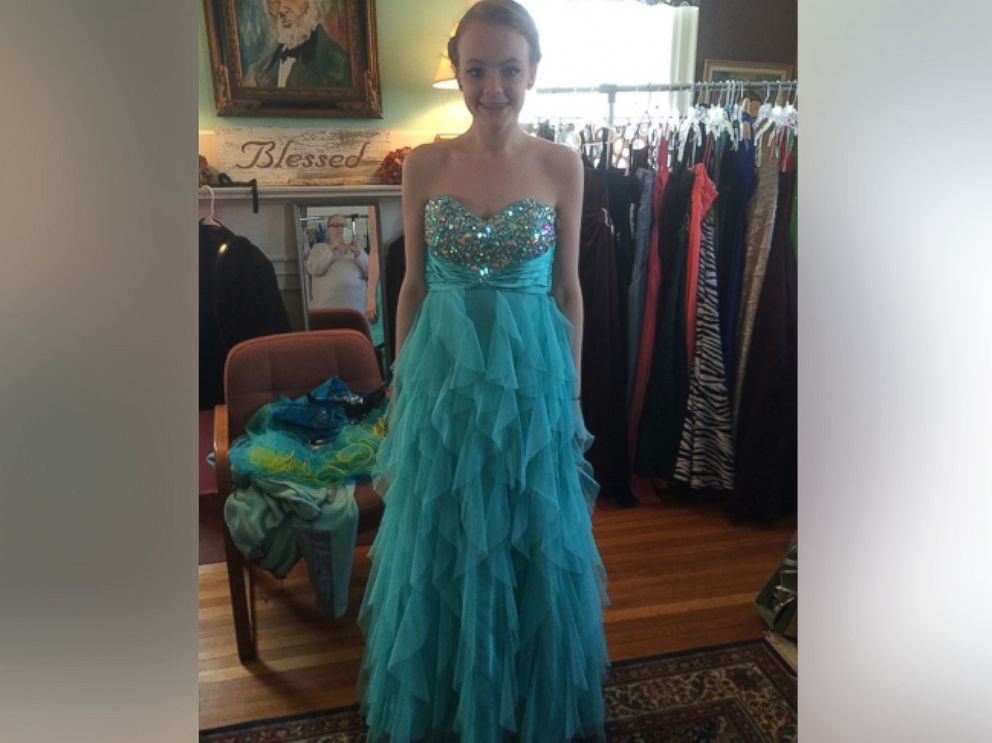 Burglary Prompts Strangers to Donate Prom Dresses to Shop ...