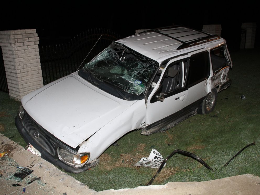 Captivating PHOTO: The Boyles Family Had Just Finished Watching A Movie When This Car  Crashed Outside