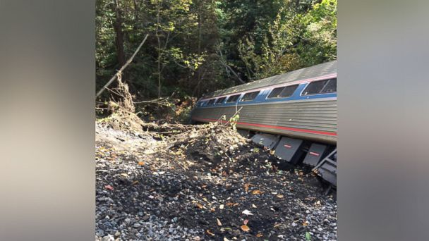http://a.abcnews.go.com/images/US/ht_amtrak_train_derailed_vermont1_wg_151005_16x9_608.jpg
