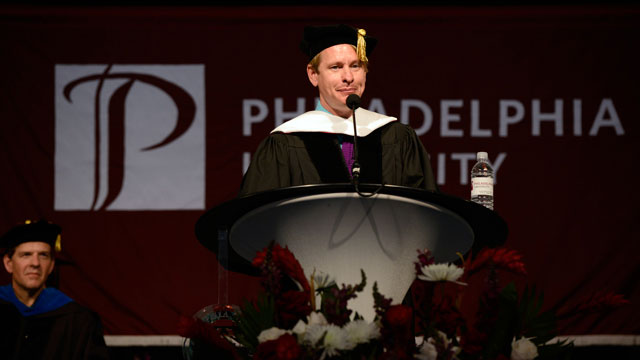 PHOTO: Carson Kressley gives the Philadelphia University commencement speech.