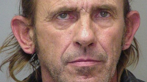 ht clyde gardner nt 110930 wblog Man Who Plotted Fake Bear Attack on Ex Girlfriend Jailed