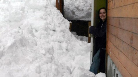 ht cordova snow 2 jef 120109 wblog Snowpocalypse 2012 For Small Alaskan Town