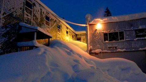 ht cordova snow 3 jef 120109 wblog Snowpocalypse 2012 For Small Alaskan Town