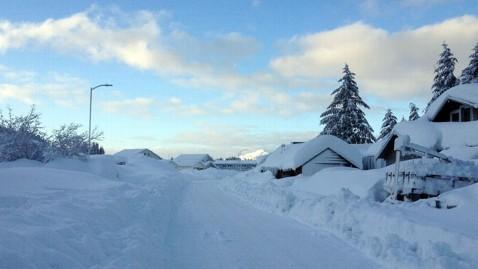 ht cordova snow 7 jef 120109 wblog Snowpocalypse 2012 For Small Alaskan Town