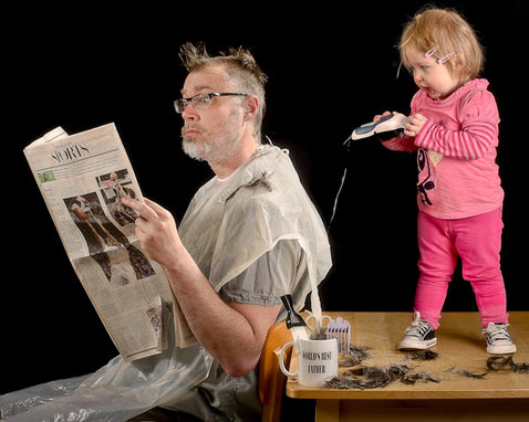 ht dave engledow portraits haircut thg 120926 wblog Alice Bee and The Worlds Best Father