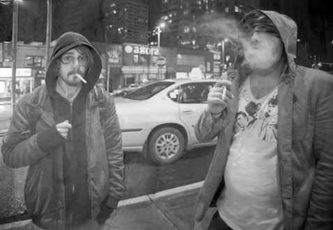 ht drawing from detroit dm 120316 wblog Hyperrealist Artist Paul Cadden Creates Photo Realistic Drawings
