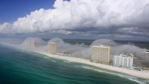 ht fog clouds 2 jef 120210 wblog Tsunami Clouds: A Rush of Fog