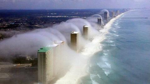 ht fog clouds 4 jef 120210 wblog Tsunami Clouds: A Rush of Fog