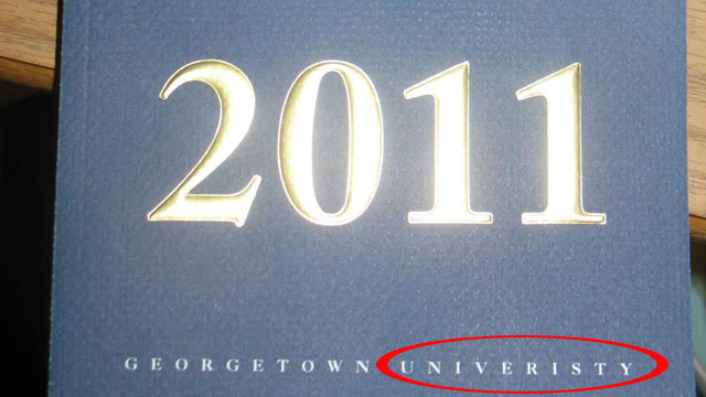 PHOTO:Georgetown University accidentally misspells university on its commencement book.