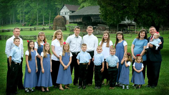 PHOTO: Gil Bates and his family are seen here in this undated file photo with his pregnant wife and 17 children.
