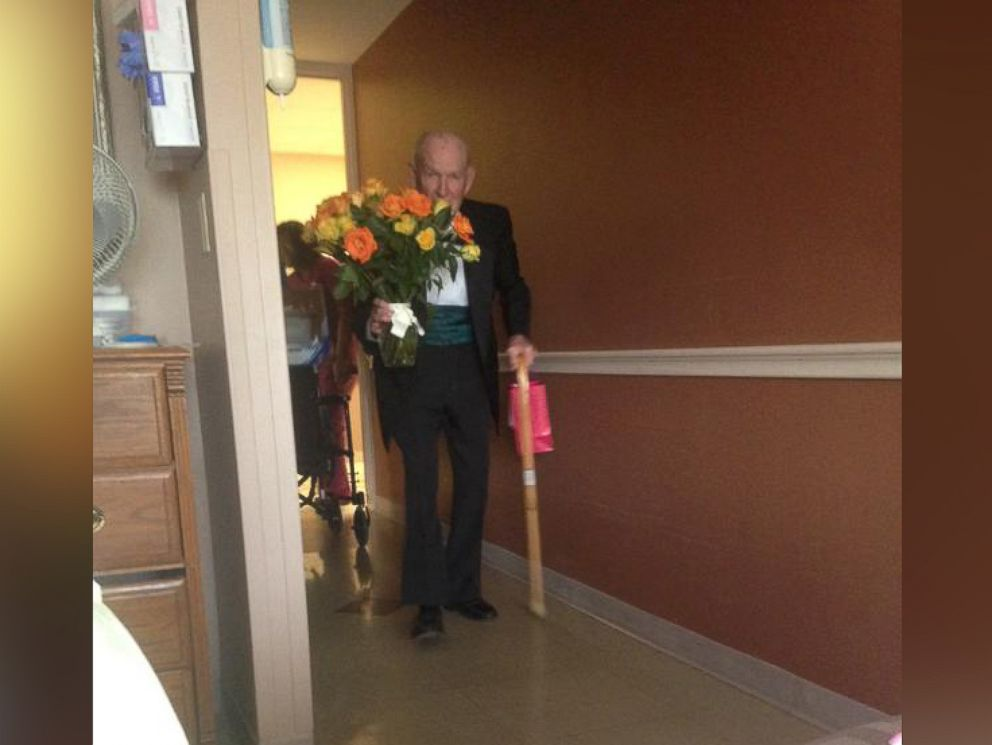 PHOTO: On their 57th anniversary, James Jim Russell showed up to his wife Elinors hospital room wearing a tuxedo and carrying flowers and chocolate.