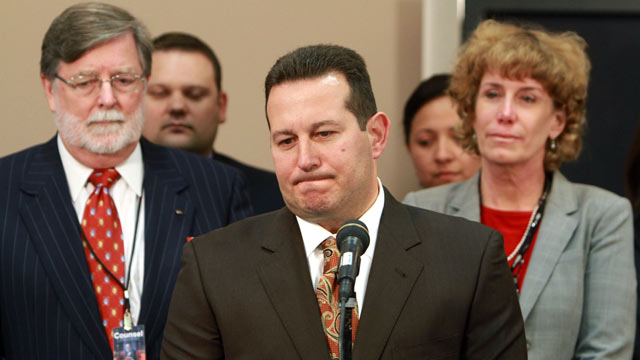 ht jose baez nt 110705 wmain Casey Anthonys Attorney Jose Baez to Rep Gary Giordano in Aruba