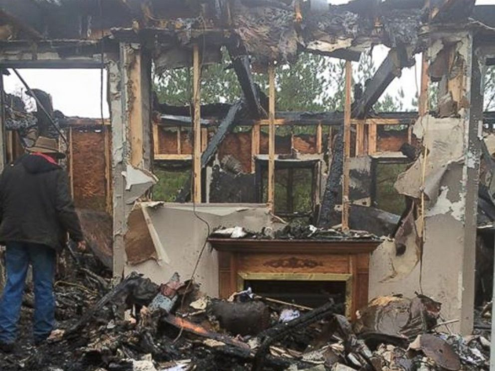 Family fire from house muslim save teen