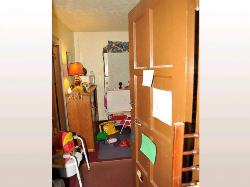 PHOTO:Together, Amanda Berry and her daughter Jocelyn shared the room in Ariel Castros house pictured here.